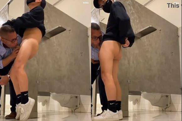Pornô: Gozando na boca do coroa no banheiro