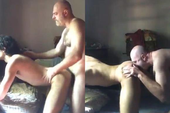 Sobrinho gay fodendo com o tio coroa